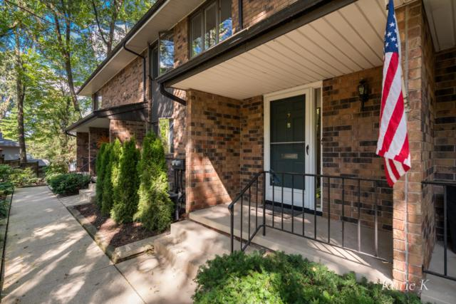 539 Greenwood Avenue SE #2, East Grand Rapids, MI 49506 (MLS #18046271) :: JH Realty Partners