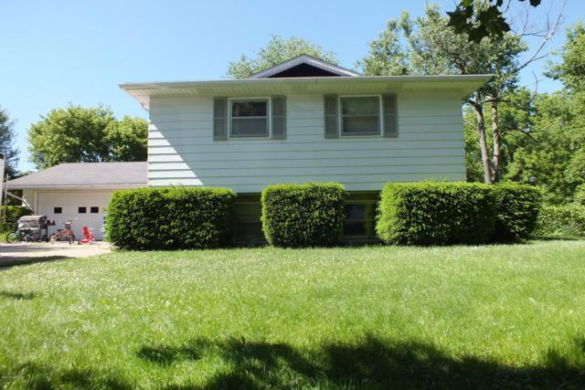 4390 W Hickory Road, Hickory Corners, MI 49060 (MLS #18046286) :: Deb Stevenson Group - Greenridge Realty