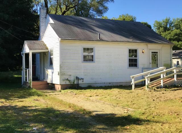 936 Clay Street, Niles, MI 49120 (MLS #18046310) :: Carlson Realtors & Development