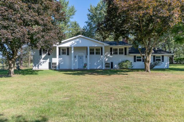 1865 W Shawnee Road, Baroda, MI 49101 (MLS #18046355) :: Deb Stevenson Group - Greenridge Realty