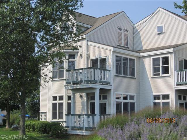 40 Brookharbor N, Manistee, MI 49660 (MLS #18046366) :: Deb Stevenson Group - Greenridge Realty