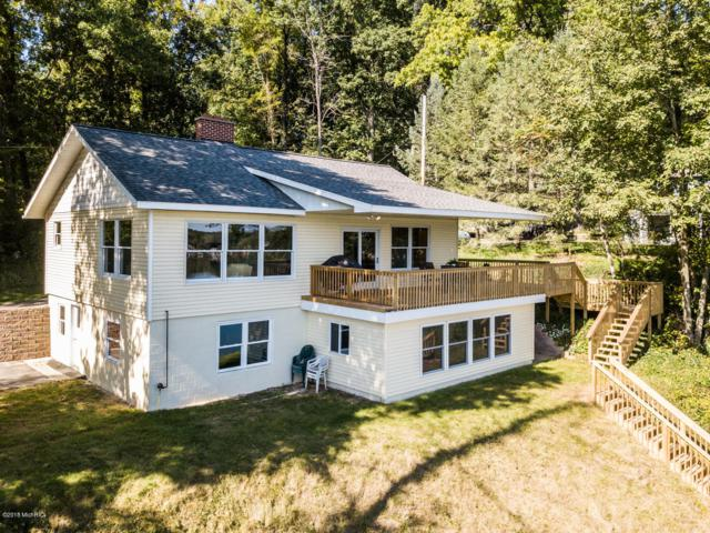 5350 W Guernsey Lake Road, Delton, MI 49046 (MLS #18046381) :: Carlson Realtors & Development