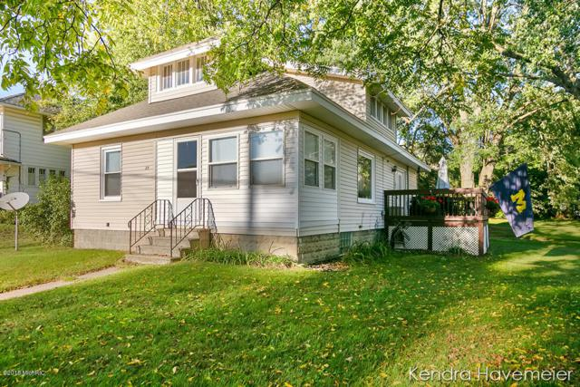 29 Lamoreaux Drive NW, Comstock Park, MI 49321 (MLS #18046395) :: JH Realty Partners