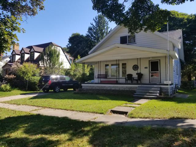 1063 W Forest Avenue, Muskegon, MI 49441 (MLS #18046477) :: Carlson Realtors & Development