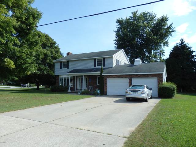 1579 Ivy Lane, Manistee, MI 49660 (MLS #18046481) :: Deb Stevenson Group - Greenridge Realty