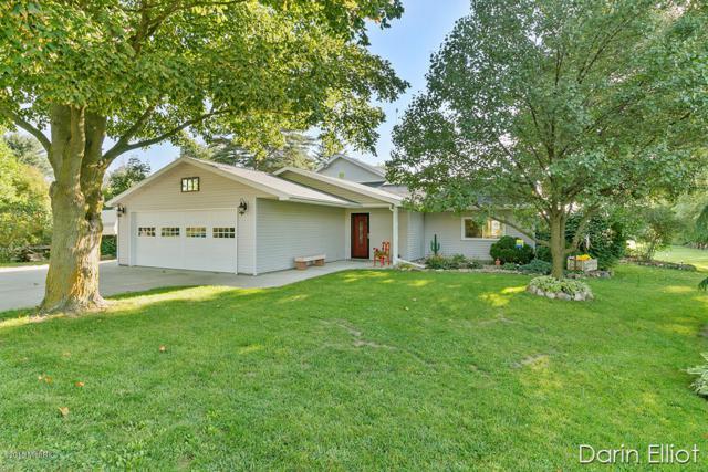 2604 Marquette Road, Ionia, MI 48846 (MLS #18046515) :: Deb Stevenson Group - Greenridge Realty