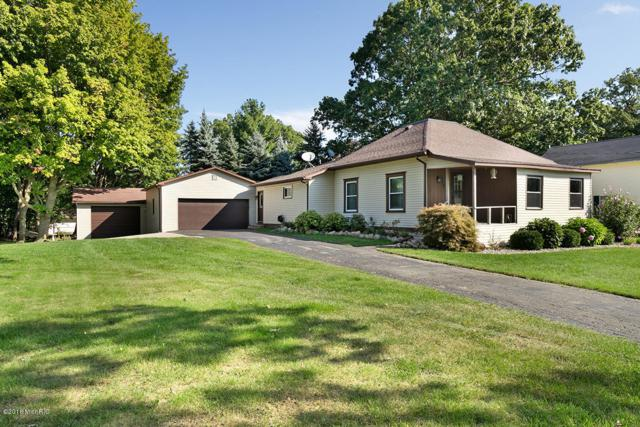 346 W Main Street, Elsie, MI 48831 (MLS #18046638) :: Deb Stevenson Group - Greenridge Realty