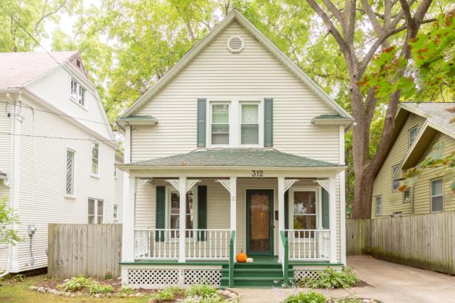 312 Rosewood Avenue SE, East Grand Rapids, MI 49506 (MLS #18046992) :: JH Realty Partners