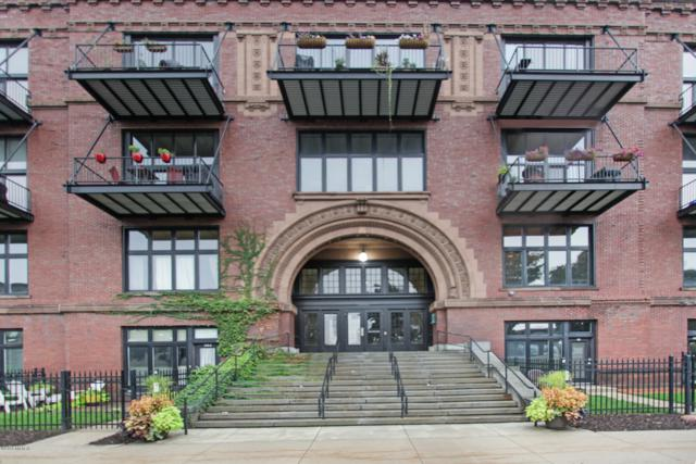 600 Broadway Ave Avenue NW 109A, Grand Rapids, MI 49504 (MLS #18046994) :: JH Realty Partners