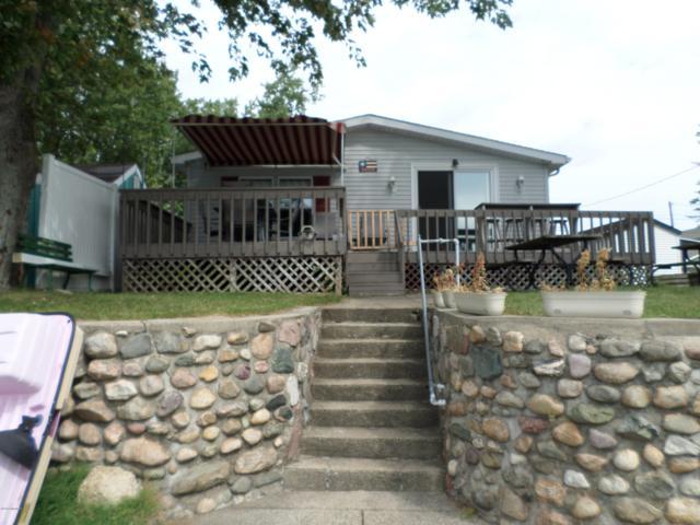24861 Twin Shores Drive, Dowagiac, MI 49047 (MLS #18047117) :: JH Realty Partners