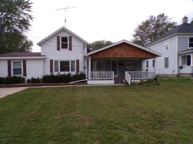715 Grant Street, Big Rapids, MI 49307 (MLS #18047558) :: Deb Stevenson Group - Greenridge Realty