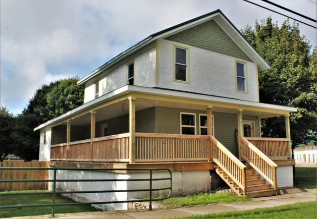 140 S Lincoln Avenue, Lakeview, MI 48850 (MLS #18047644) :: Deb Stevenson Group - Greenridge Realty