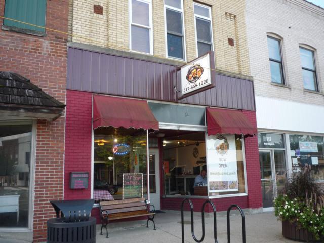 111 W Chicago Street, Bronson, MI 49028 (MLS #18048142) :: Deb Stevenson Group - Greenridge Realty