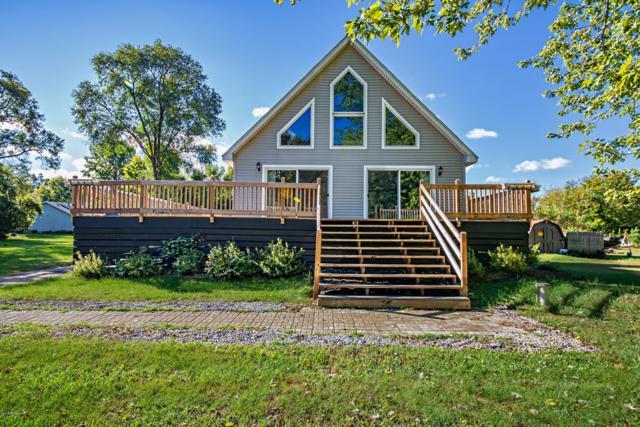 2106 Derfla Drive, St. Joseph, MI 49085 (MLS #18048747) :: Deb Stevenson Group - Greenridge Realty