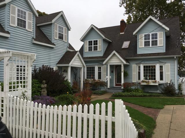 1118 Lakeview Drive, Lake Odessa, MI 48849 (MLS #18048797) :: Deb Stevenson Group - Greenridge Realty