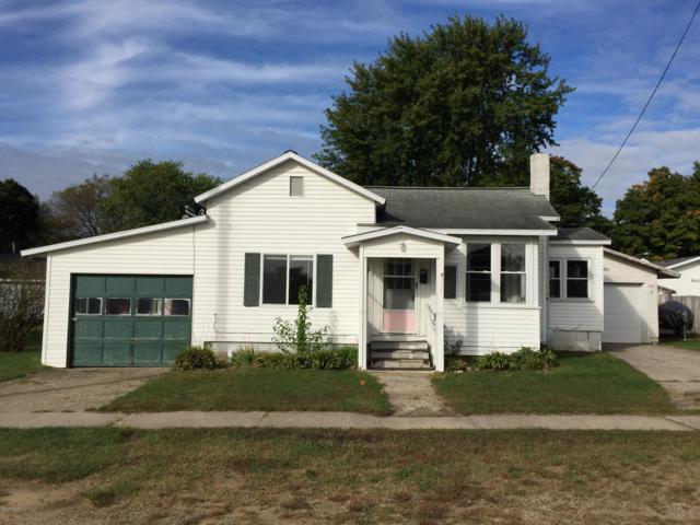 308 S East Street, Hartford, MI 49057 (MLS #18049296) :: Deb Stevenson Group - Greenridge Realty