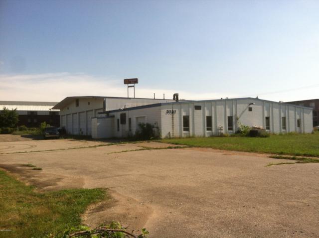 3737 E Cork St Court, Kalamazoo, MI 49001 (MLS #18049302) :: Carlson Realtors & Development