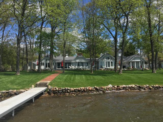4962 E Gull Lake Drive, Hickory Corners, MI 49060 (MLS #18049664) :: Deb Stevenson Group - Greenridge Realty