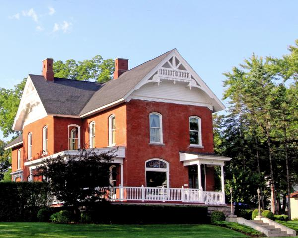 414 Maple Street, Big Rapids, MI 49307 (MLS #18049721) :: Deb Stevenson Group - Greenridge Realty