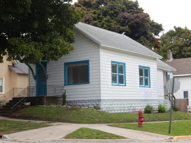 376 Third Street, Manistee, MI 49660 (MLS #18049820) :: Deb Stevenson Group - Greenridge Realty