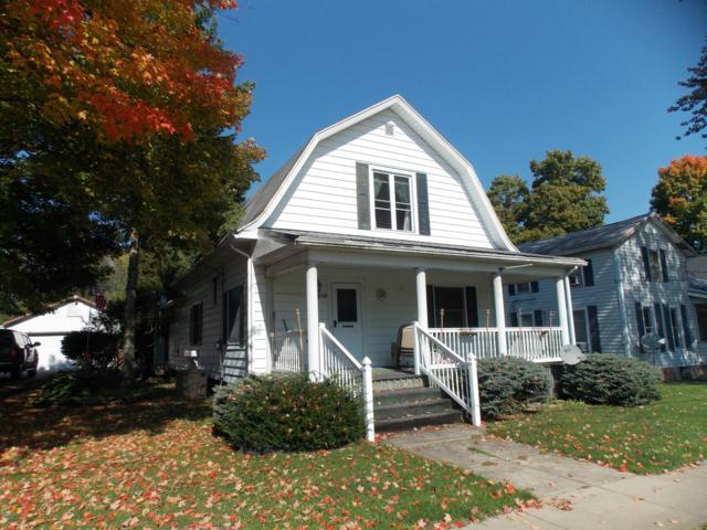 118 E Main Street, North Adams, MI 49262 (MLS #18049868) :: Deb Stevenson Group - Greenridge Realty