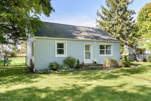 1060 S Kalamazoo, Marshall, MI 49068 (MLS #18049930) :: Deb Stevenson Group - Greenridge Realty