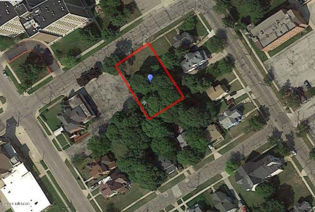 77 Hartford Avenue, Muskegon, MI 49442 (MLS #18049932) :: Deb Stevenson Group - Greenridge Realty
