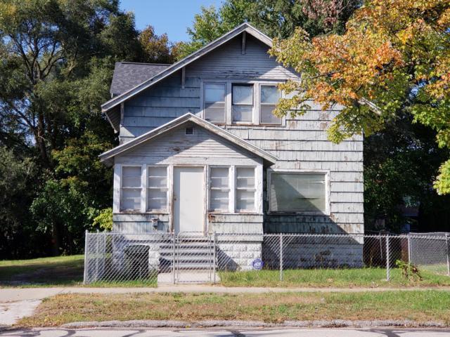 492 Houston Avenue, Muskegon, MI 49441 (MLS #18050253) :: Deb Stevenson Group - Greenridge Realty