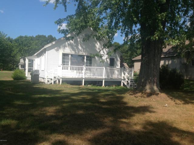 2607 Memorial Drive, Muskegon, MI 49445 (MLS #18050299) :: Deb Stevenson Group - Greenridge Realty