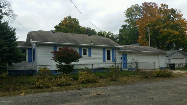 321 Sumner Avenue, Muskegon, MI 49442 (MLS #18050315) :: Deb Stevenson Group - Greenridge Realty