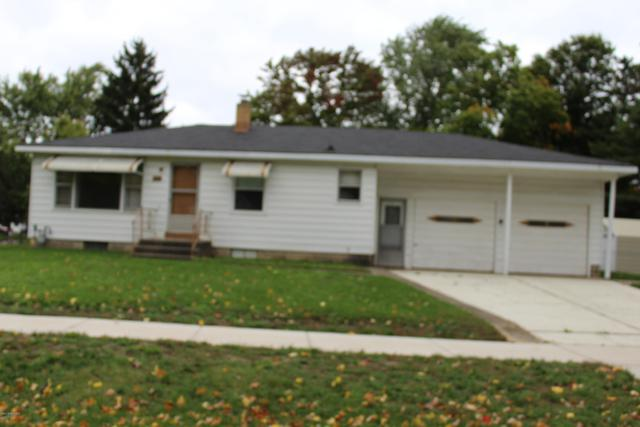 419 E Maple Street, Wayland, MI 49348 (MLS #18050349) :: Deb Stevenson Group - Greenridge Realty