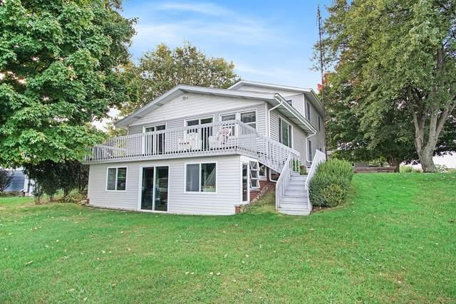 60178 Klett Drive, Decatur, MI 49045 (MLS #18050463) :: Deb Stevenson Group - Greenridge Realty