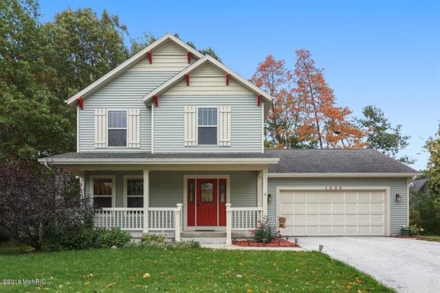1323 Sycamore Lane, Benton Harbor, MI 49022 (MLS #18050552) :: Deb Stevenson Group - Greenridge Realty
