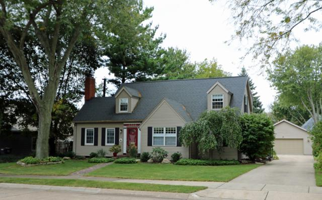 2308 Mt Curve Avenue, St. Joseph, MI 49085 (MLS #18050561) :: Deb Stevenson Group - Greenridge Realty