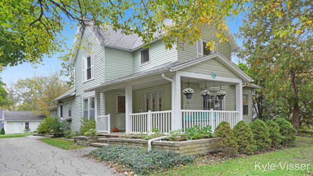 2514 Lake Drive SE, East Grand Rapids, MI 49506 (MLS #18050661) :: Deb Stevenson Group - Greenridge Realty