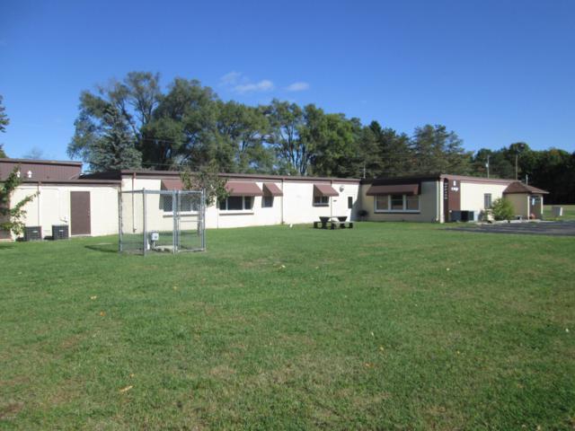 904 Oak Drive, Greenville, MI 48838 (MLS #18050676) :: Deb Stevenson Group - Greenridge Realty