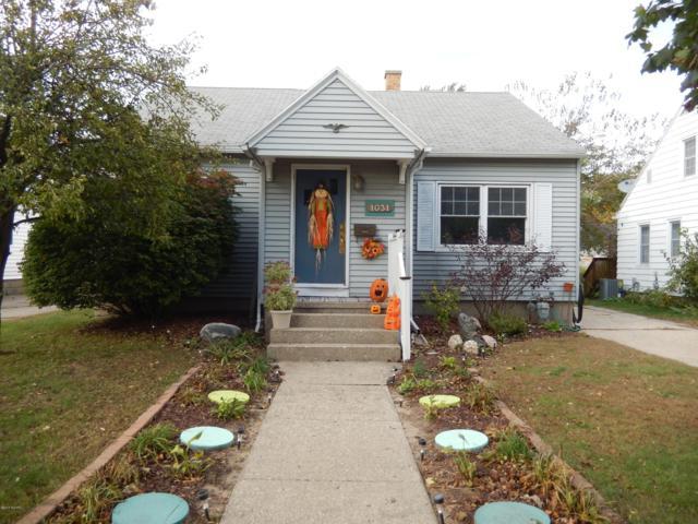 1031 Waverly Avenue, Grand Haven, MI 49417 (MLS #18050682) :: JH Realty Partners