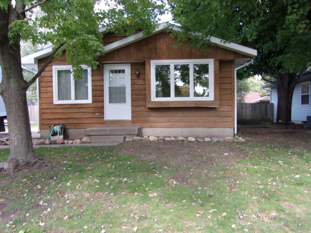 317 Nora Street SE, Grand Rapids, MI 49548 (MLS #18050692) :: JH Realty Partners