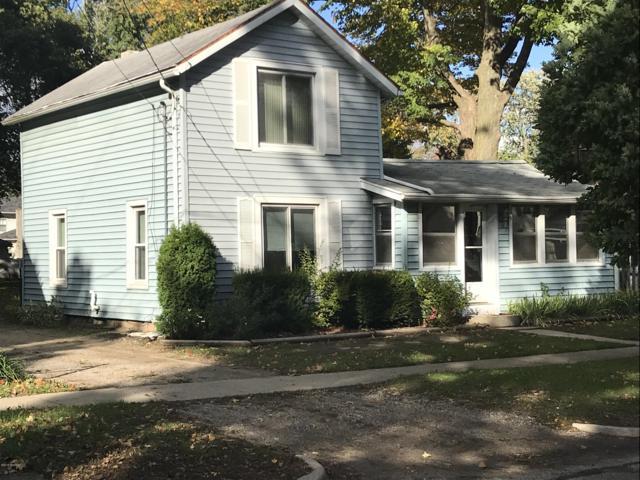 712 W Hanover Street, Marshall, MI 49068 (MLS #18050923) :: Deb Stevenson Group - Greenridge Realty