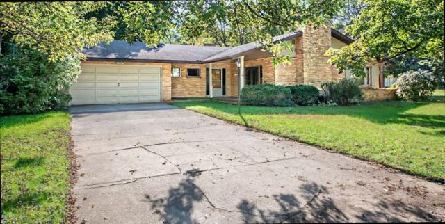 560 Sunset Road, Benton Harbor, MI 49022 (MLS #18050988) :: Deb Stevenson Group - Greenridge Realty