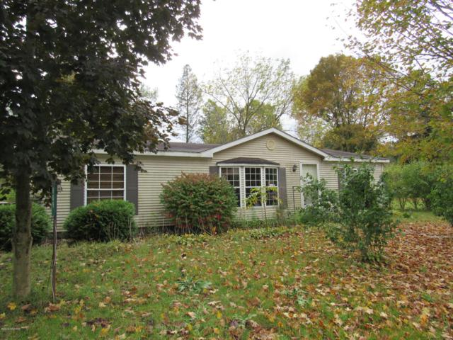 809 W Monroe Street, Bangor, MI 49013 (MLS #18051018) :: Deb Stevenson Group - Greenridge Realty