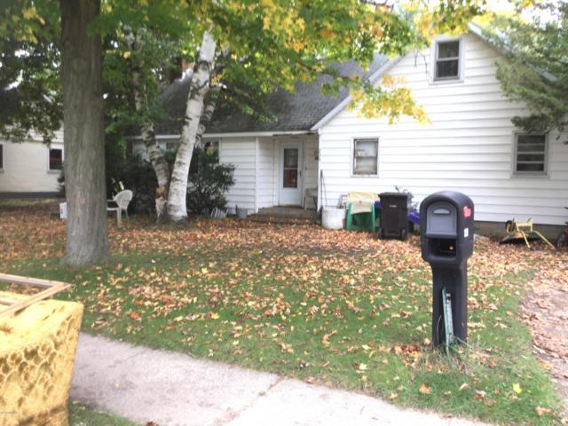 230 Sherman Street, Bronson, MI 49028 (MLS #18051053) :: Deb Stevenson Group - Greenridge Realty