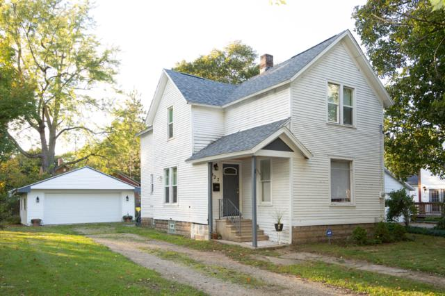 927 Albert Avenue, Kalamazoo, MI 49001 (MLS #18051123) :: Deb Stevenson Group - Greenridge Realty