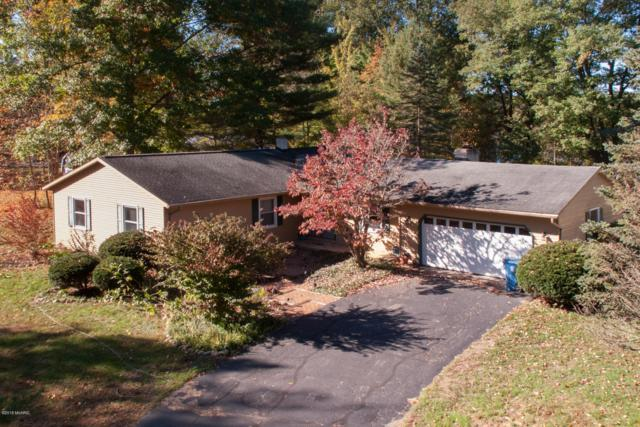 1926 Poplar Ridge Drive, Otsego, MI 49078 (MLS #18051200) :: Matt Mulder Home Selling Team