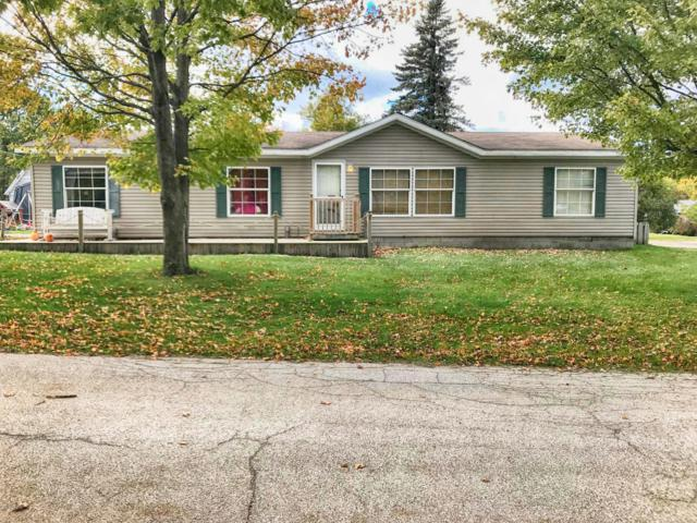610 W First Street, Ludington, MI 49431 (MLS #18051224) :: Deb Stevenson Group - Greenridge Realty