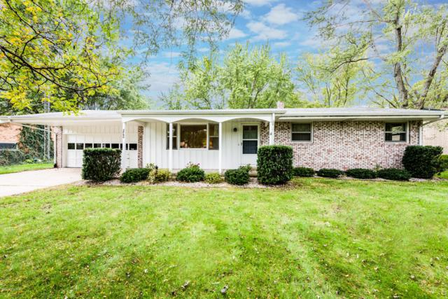 2860 Marilyn Drive, St. Joseph, MI 49085 (MLS #18051333) :: Deb Stevenson Group - Greenridge Realty