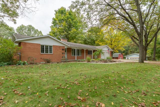 7907 W R Avenue, Kalamazoo, MI 49009 (MLS #18051374) :: Matt Mulder Home Selling Team