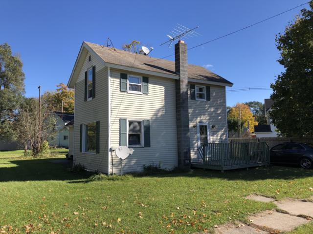 533 Emory Street, Howard City, MI 49329 (MLS #18051378) :: Carlson Realtors & Development