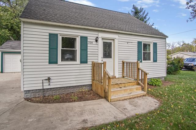 954 Wilson Avenue, Norton Shores, MI 49441 (MLS #18051420) :: Deb Stevenson Group - Greenridge Realty