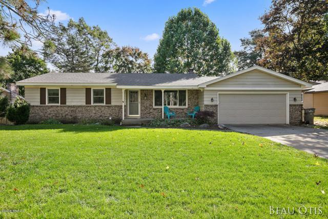 6242 Capitan Drive SE, Grand Rapids, MI 49546 (MLS #18051465) :: Deb Stevenson Group - Greenridge Realty